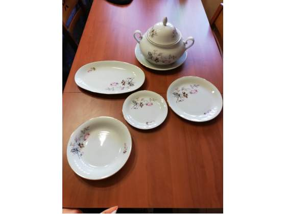 Set piatti e zuppiera in ceramica