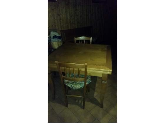 Svuoto casa tavolo da cucina