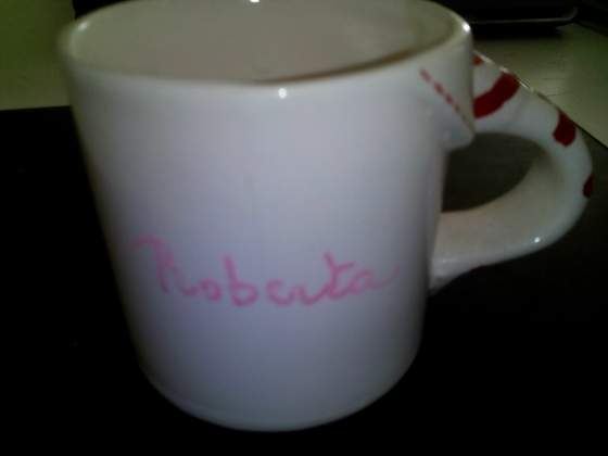 Tazza in ceramica dipinta a mano
