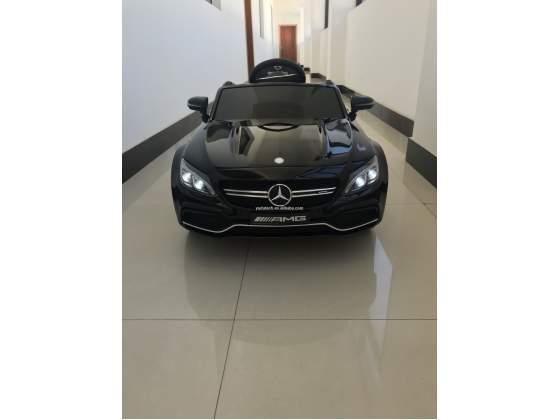 Auto macchina elettrica Mercedes C 63 amg METALLIZATA