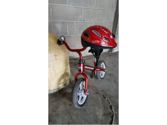 Bici chicco bullet senza pedali + caschetto