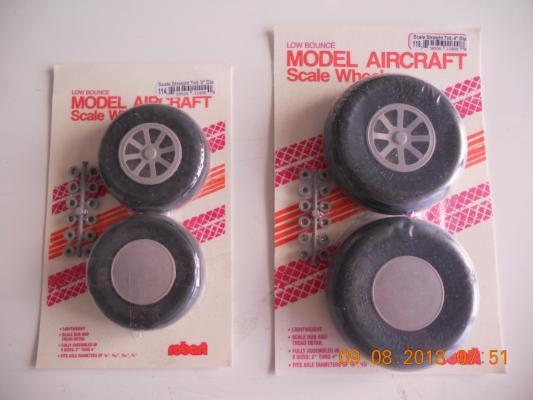 N.2 coppie di ruote riproduzione ROBART nuove