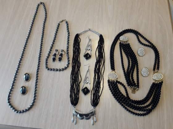 Parure (4) vintage perline nere o ematite