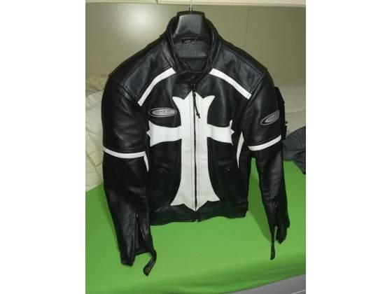 Completo in pelle per moto custom