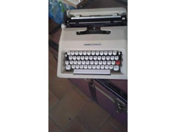 Macchina da scrivere Olivetti lettera 38