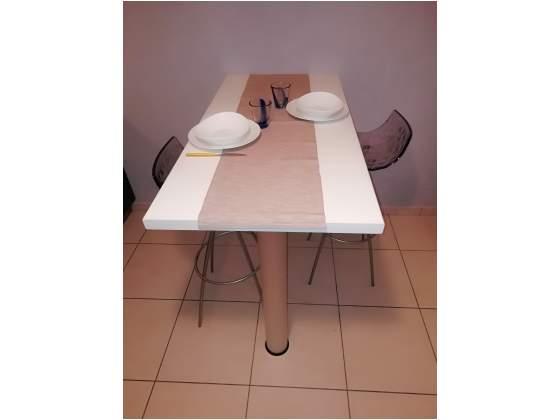 Tavolo e sgabelli Calligaris