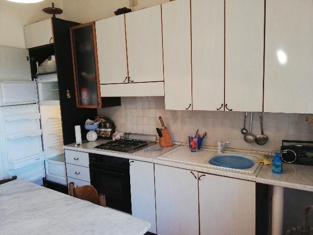 Arredamento usato per camere hotel albergho o posot class for Arredamento ludoteca usato
