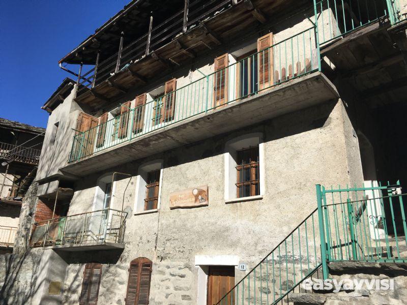 Casa indipendente 200 mq arredato, valle daosta