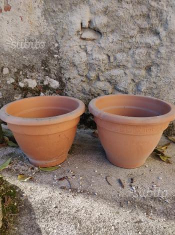 Coppia vasi in terracotta per giardino