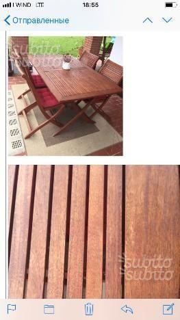 Tavolo da giardino con tre sedie pieghevoli