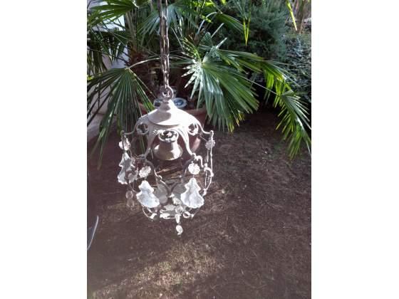 Antichi lampadari in ferro battuto