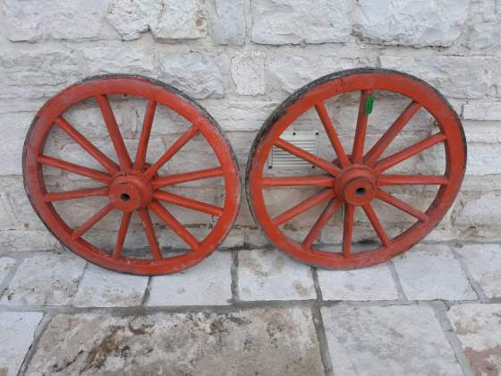 Coppia di ruote da calesse