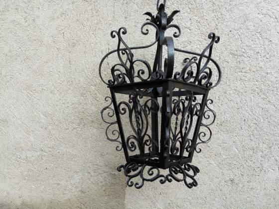 Lampione in ferro battuto