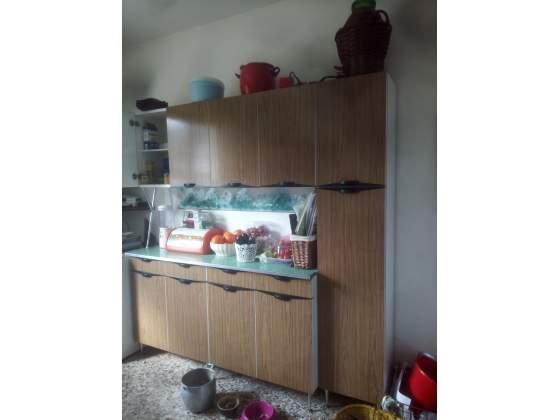 Mobili cucina regalo posot class for Regalo mobili cucina