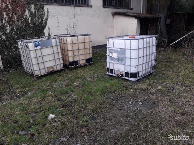 Cisterne Con Gabbia Metallica.Cisterne Da Lt In Pvc Con Gabbia Metallica Posot Class