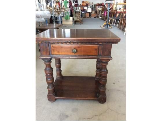 Tavolino/comodino in legno