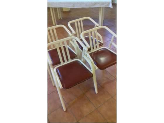 Mobiletto in legno laccato lucido con top in posot class for Sedie per tinello