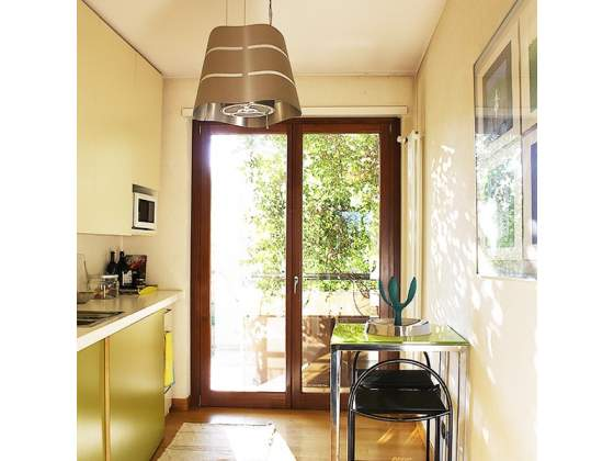 Arredamento cucina sedie posot class for Regalo arredamento completo