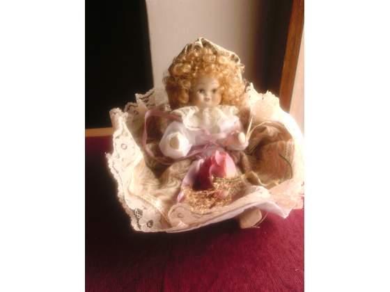 Bambola porcellana capodimonte anni'80 intattacon