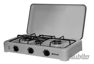 Fornello da cucina 3 fuochi fargas posot class for Fornello a gas metano 3 fuochi
