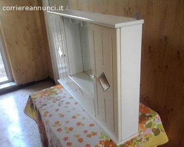 Mobile bianco con specchiera da bagno, provincia di viterbo
