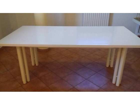 Tavolo in legno massiccio laccato 2 metri per 1