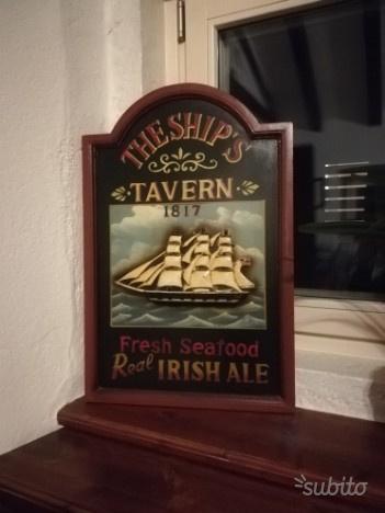 Insegne in legno stile pub irlandese