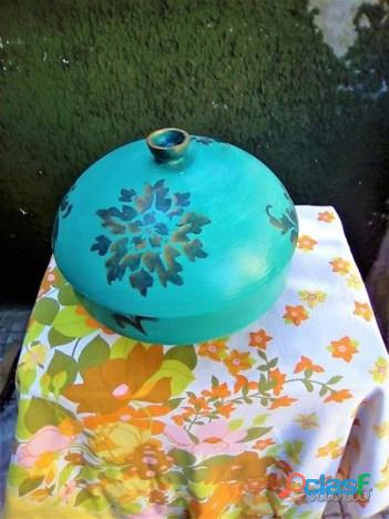 Zuppiera di ceramica dipinta a mano