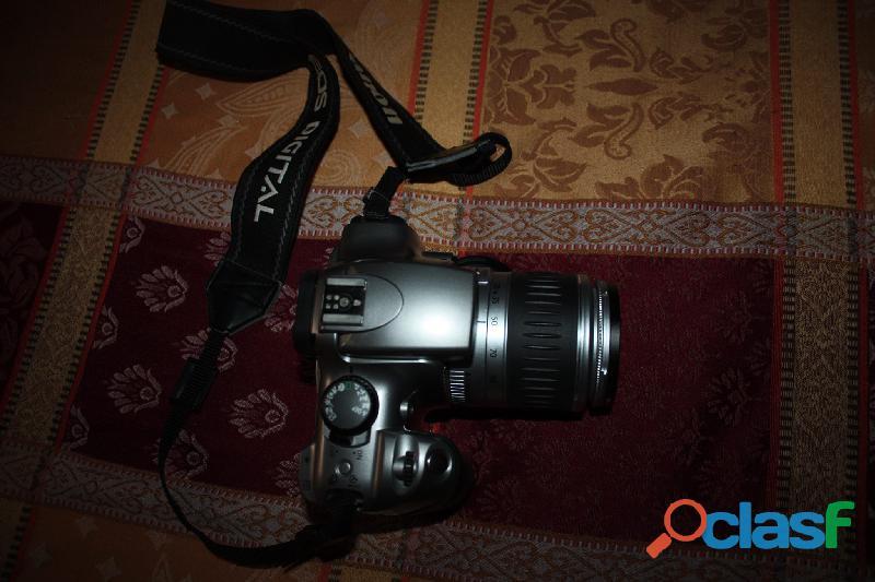 Fotocamera digitale Canon EOS 300D con obiettivo Canon EF 28