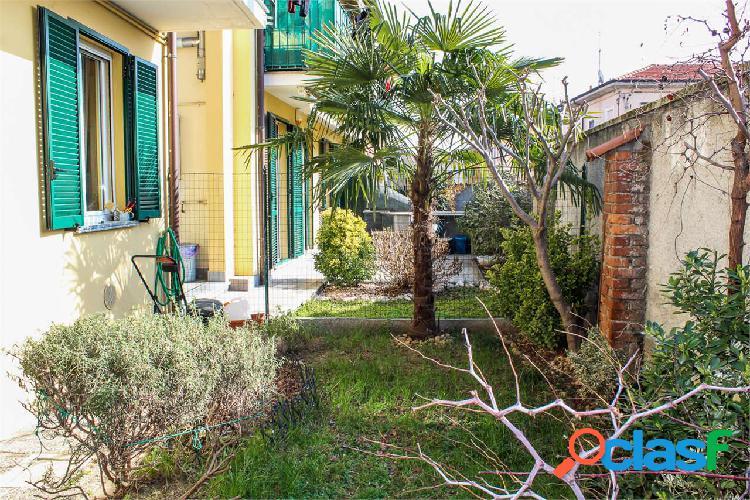Appartamento con giardino a Marcallo con Casone.