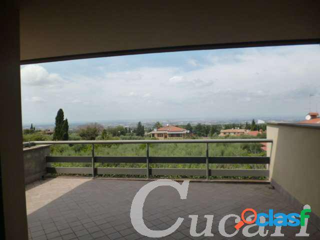 fft013 bilocale con terrazzo panoramico su Roma