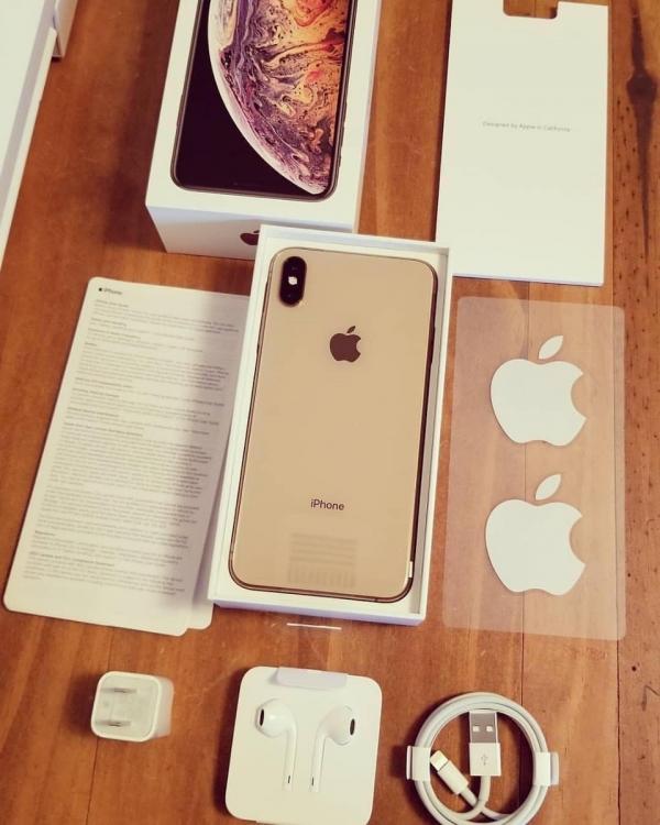 Apple iPhone XS 64GB = 400 EUR,iPhone XS Max 64GB = 430