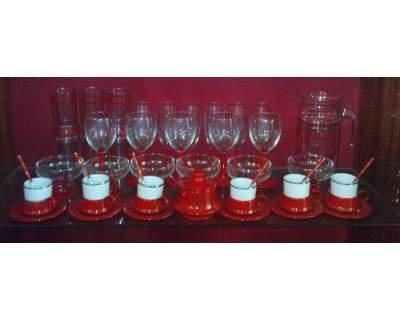 Set di bicchieri e tazzine per 4 persone