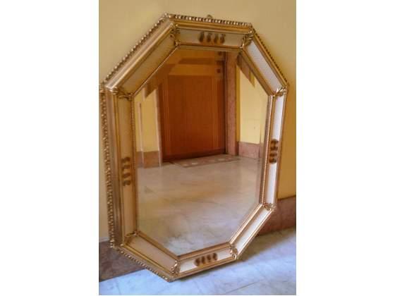 Specchio in legno da parete dorato
