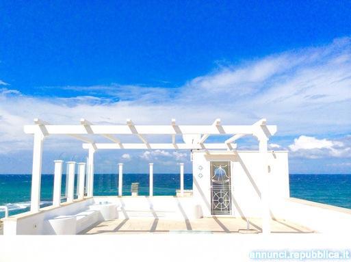 Splendida casa con terrazzo panoramico DIRETTAMENTE sul mare