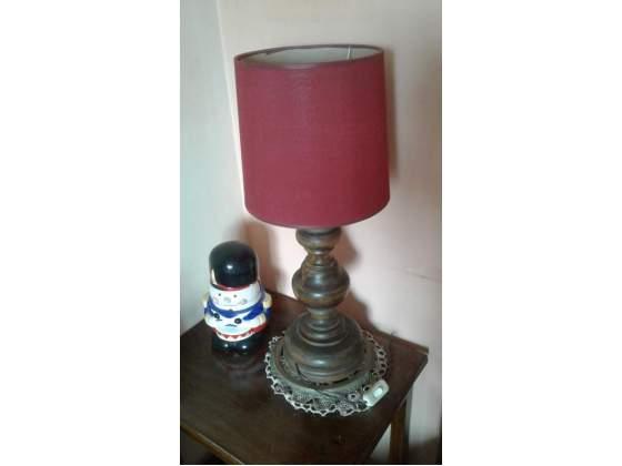 Lampada abat jour grande con base in legno