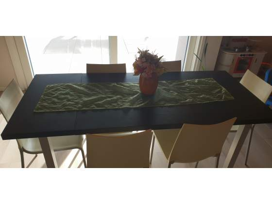 Tavolo allungabile con 6 sedie