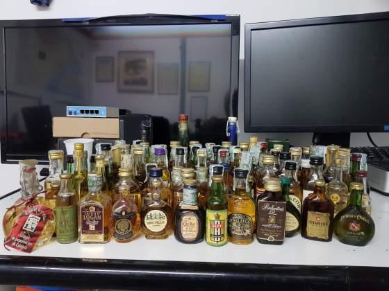 Collezione bottigliette liquori mignon