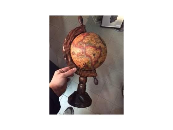 Mappamondo stile vintage antico in legno
