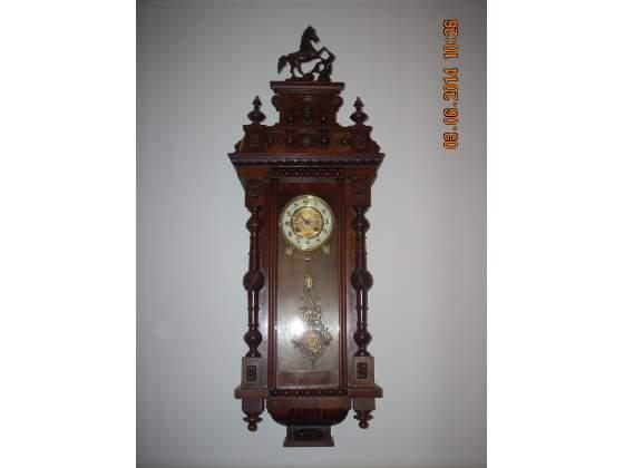 Orologio a pendolo con movimento meccanico