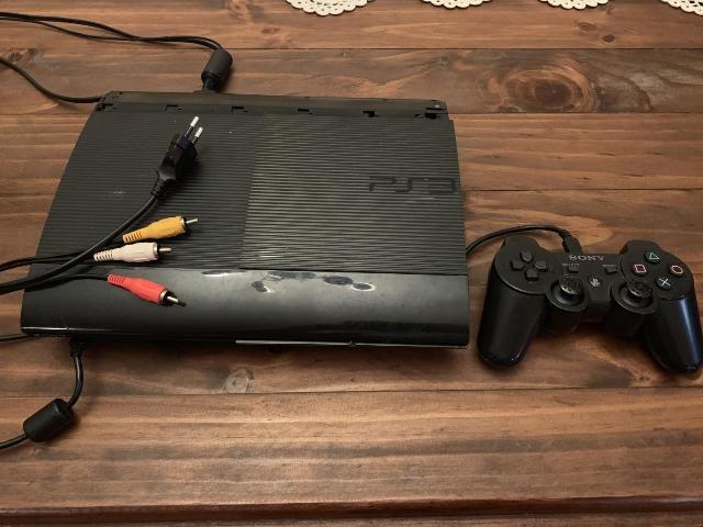 PS3 SUPER SLIM CON CAVI E CONTROLLER