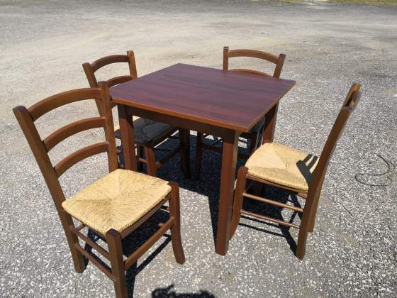 Set Tavolo in legno con 4 sedie