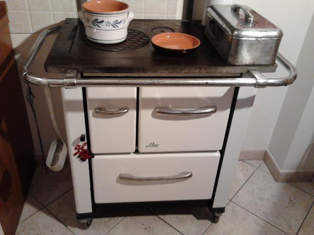 Stufa Cucina A Legna Antica.Stufa Palazzetti Susanna A Legna Posot Class