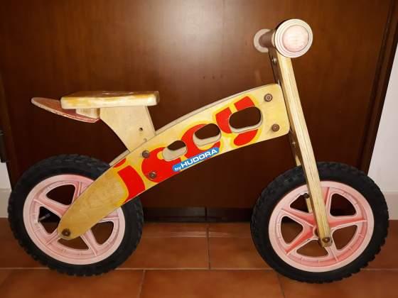 Bici in legno per l'apprendimento SENZA PEDALI.
