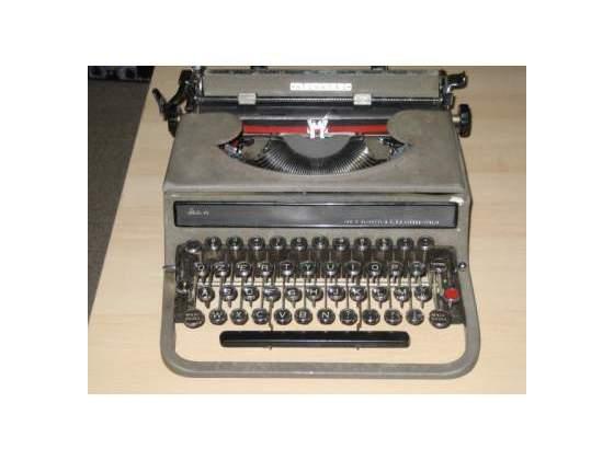 Macchina da scrivere anni '50