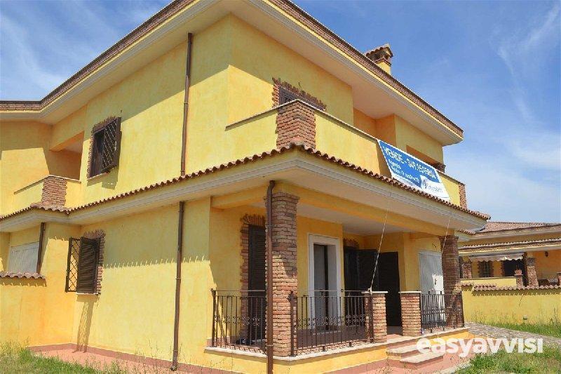 Villetta trifamiliare quadrilocale 110 mq