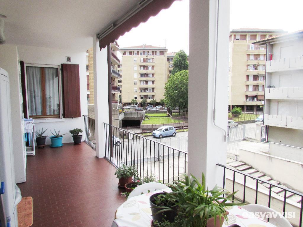 3 locali con terrazzo, citta metropolitana di milano