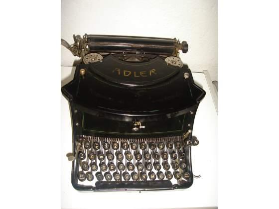 Macchina da scrivere da tavolo adler mod. 15