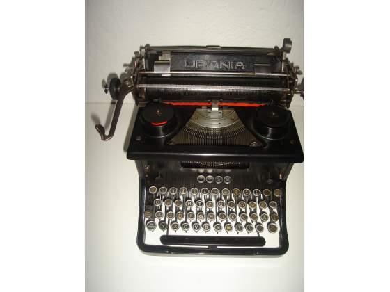 Macchina da scrivere da tavolo urania
