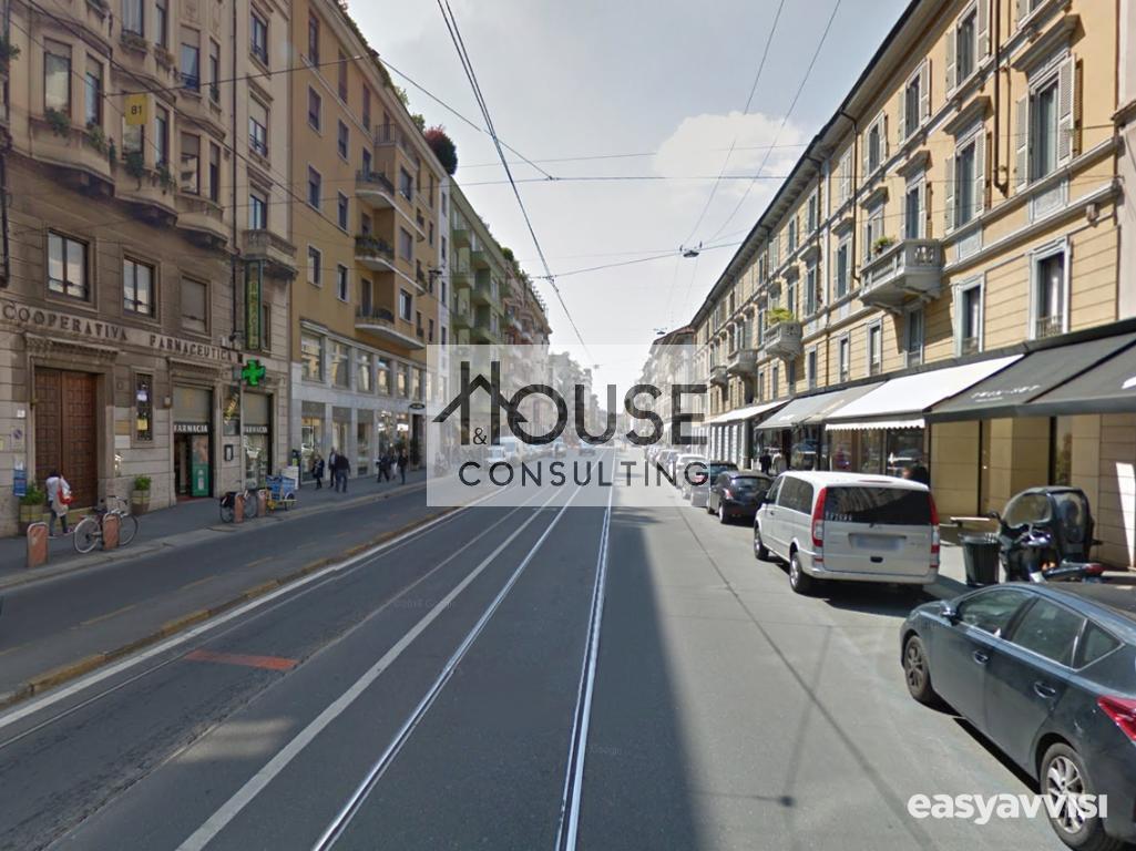 Milano - affittasi negozio con vetrina su corso vercelli,
